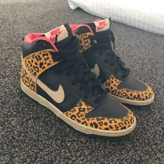 Nike Dunk Leopard Print High Tops Size 7
