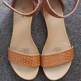 Brown Sandal Size8