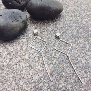 Minimalist Square Shape Earring
