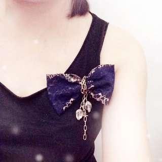 🍀深寶藍色Lace花金鍊水晶吊飾襟花