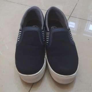 Preloved Dr.Kevin Shoes Navy