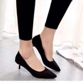 🚺 Black Heel