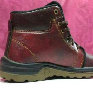 Sepatu Safety Kic Kers