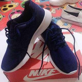 Auth Nike Kaishi
