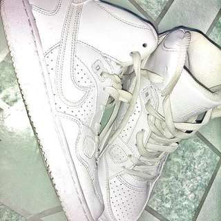 White Shoes Original Nike Son of Force Mid Size: 4Y=36