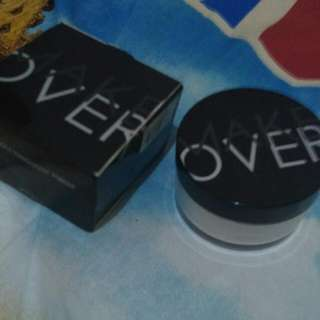 Makeover Silky Smooth Tranculent Powder