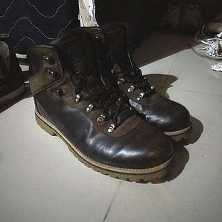 Boots Kulit Eiger Hiking