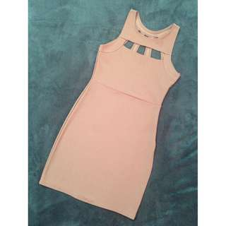 Salmon bodycon dress with back cutouts