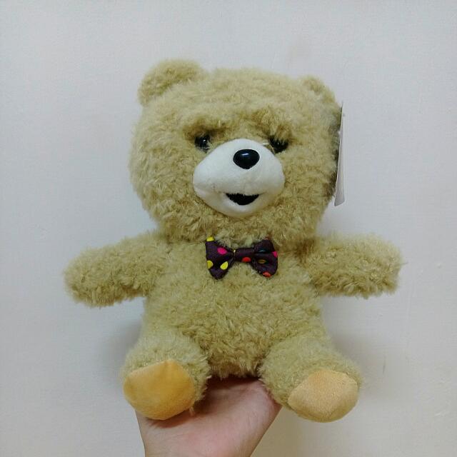 領結小熊娃娃