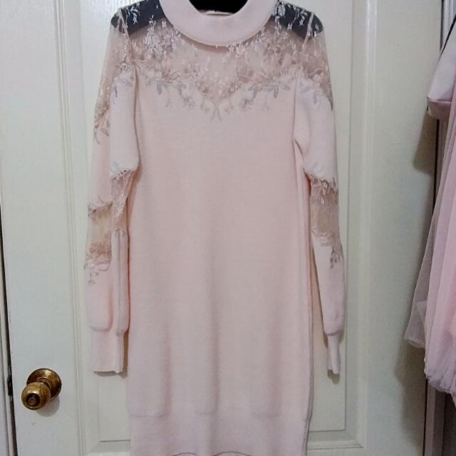 全新正品 Snidel 限定櫻花粉 斷貨款刺繡透肩極顯修身洋裝