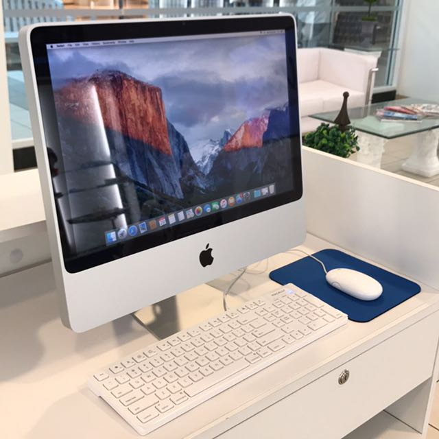 Apple iMac Desktop Computer