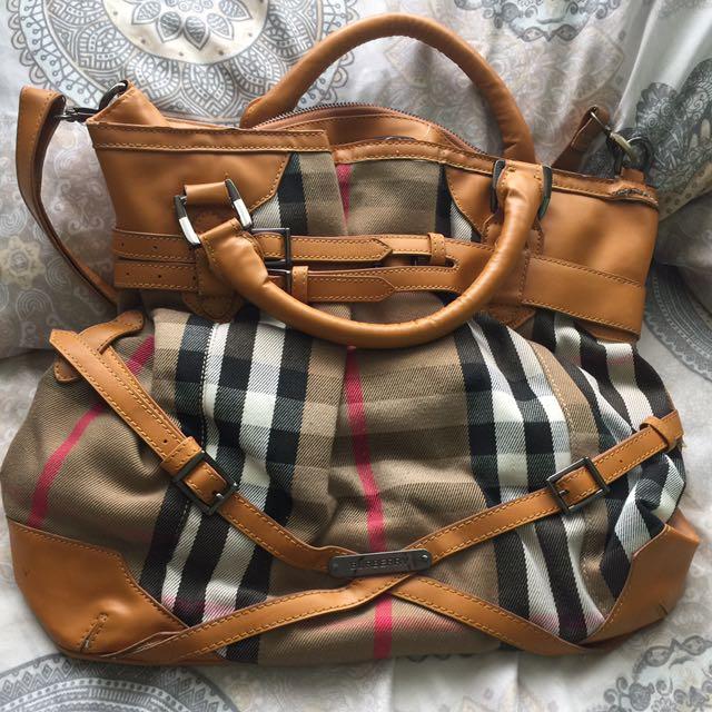 Burberry Handbag/Slingbag