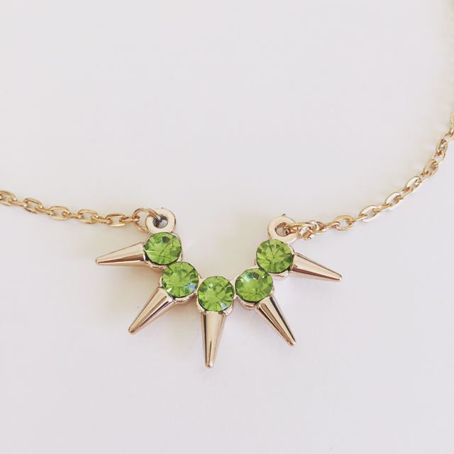 green jewelry necklace