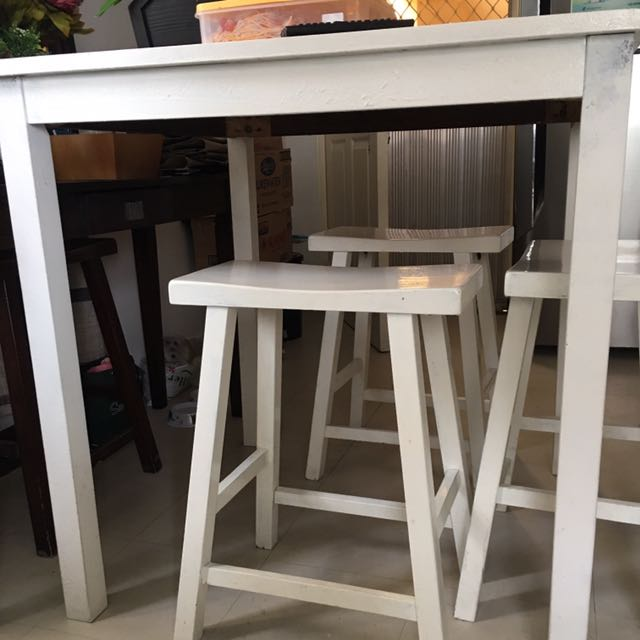 High 4-seater Dining Table Bar-type