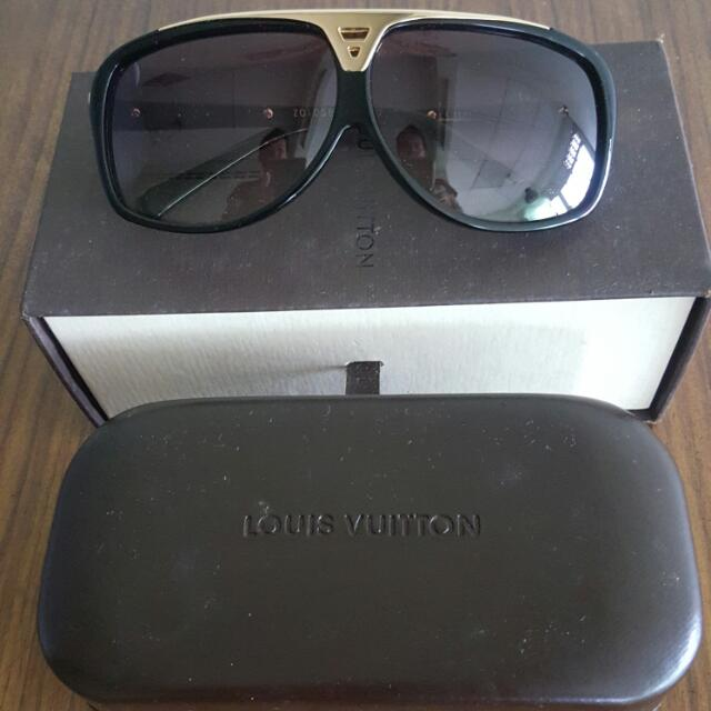 2695a75533a6 Louis Vuitton