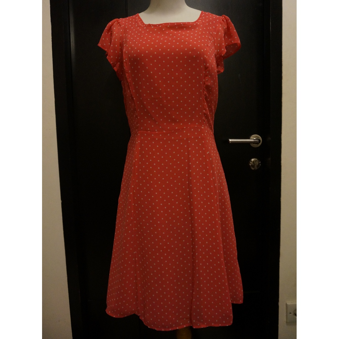 Minimal Polkadot Dress