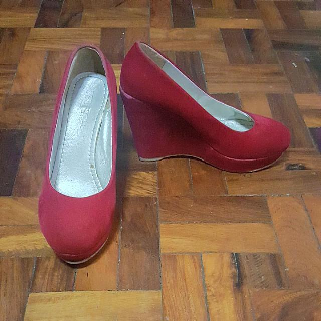 Red Pumps Wedge