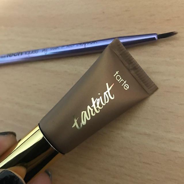 Tarte Eyeliner And Real Techniques Brush