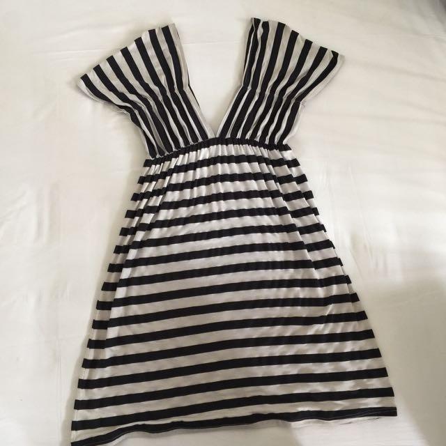 V-Neck striped dress size S-M
