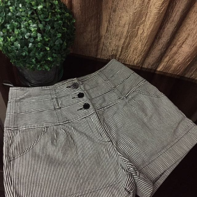 WAREHOUSE Stripper High Waisted Shorts