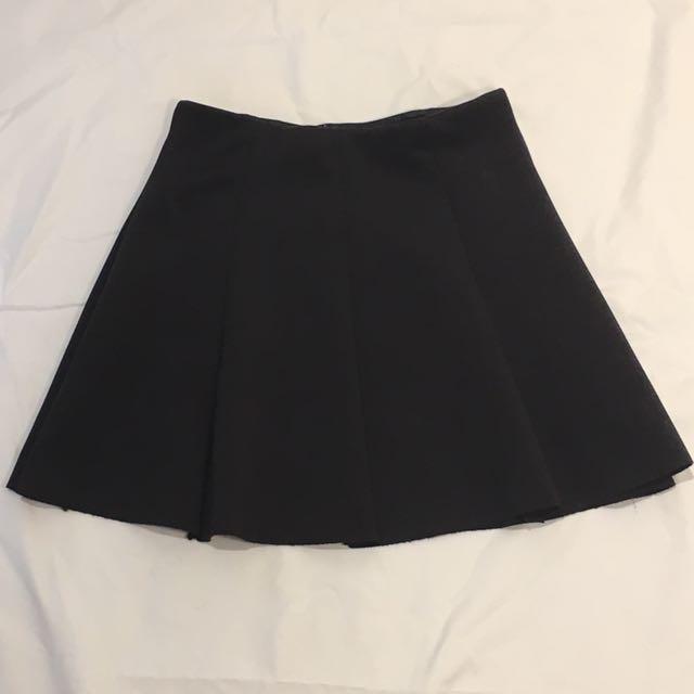 Zara Black Pleated Mini Skirt