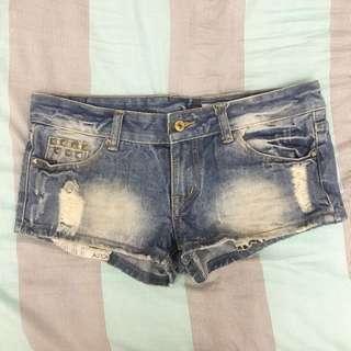 抓破牛仔短褲 大尺碼 熱褲 單寧 #兩百元短褲