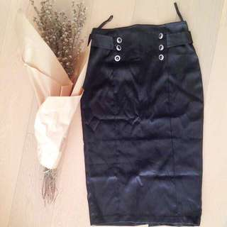 Pre💝AU6 Black Skirt Satin Finish Look