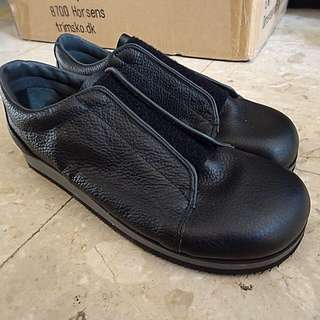 TRIM Black Leather Velocro Shoes Made In Denmark