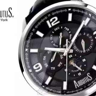 🚚 精選推介‼買即送Arbutus鎖鑰包‼原裝貨,美國Arbutus愛彼特 鏤空自動機械男表,42mm不銹鋼外殼,黑色壓紋真皮表帶,夜光數字刻度,月份、日期、星期、月象顯示,藍寶石鏡面,50米防水,全球聯保兩年 #我有手錶要賣