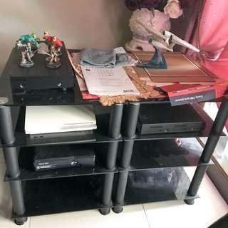 Queenie 4 tier Black / Glass Racks