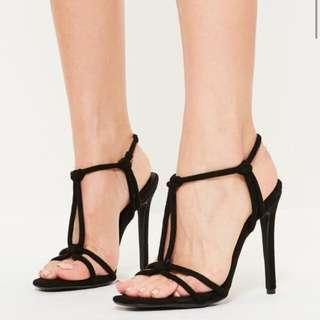 Black Knot Velvety Heels Sz 6