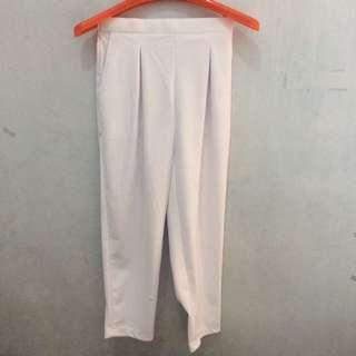 Celana Panjang warna Putih