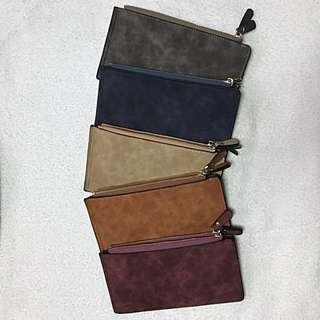 multi-compartment wallet