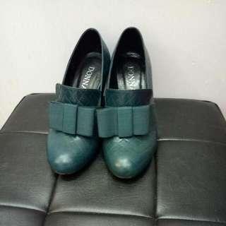 9.5成💗專櫃女高跟鞋深綠色