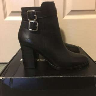 Brand New Windsorsmith Tamika Boot Size 8