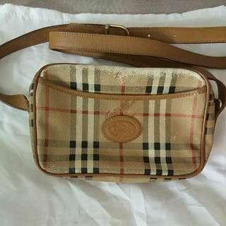 (真品) Burberry London Sling Bag