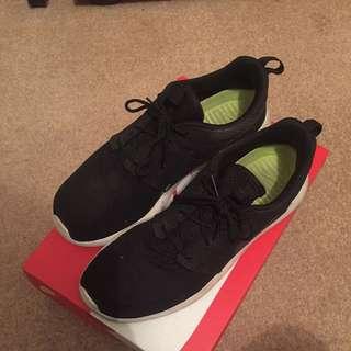 Mens Nike Roshe One Size 10.5