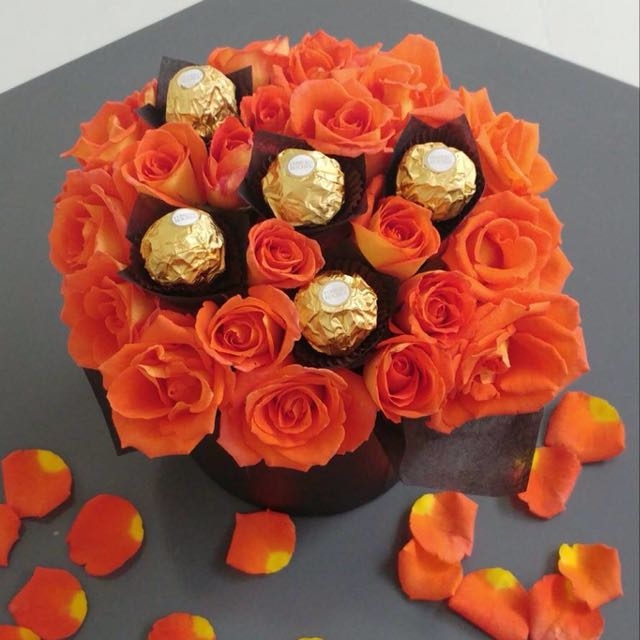 2-dozen Roses In A Box With Ferrero chocolate