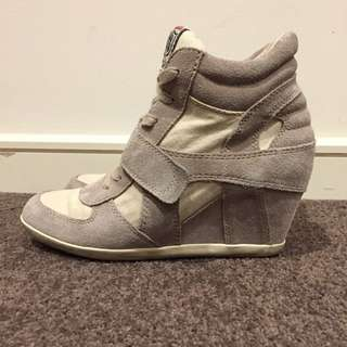 (39) Ash Bowie Wedge Sneakers