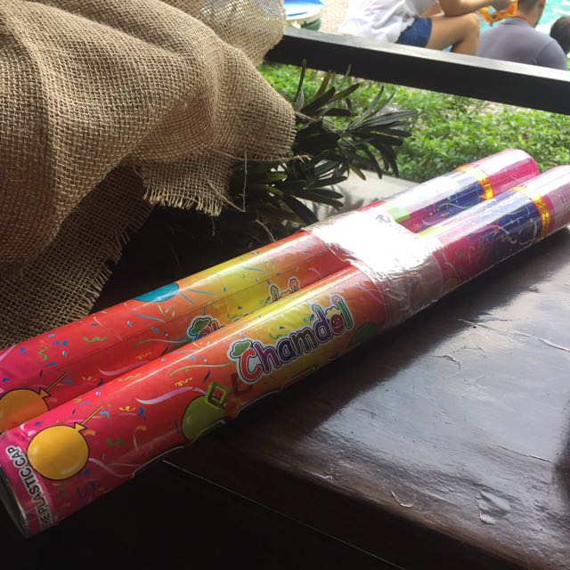 20cm Party Poppers Extra Large