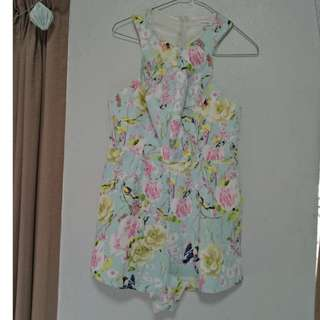 Floral Playsuit Size 8 Valleygirl