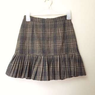 Pleated Fitted Plaid Skirt