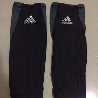 Adidas機能壓縮小腿套