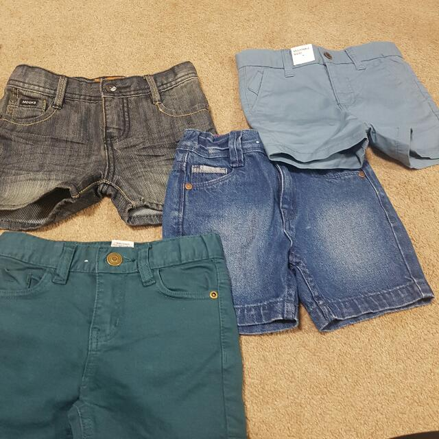 MAKE AN OFFER :) boys Shorts Size 2