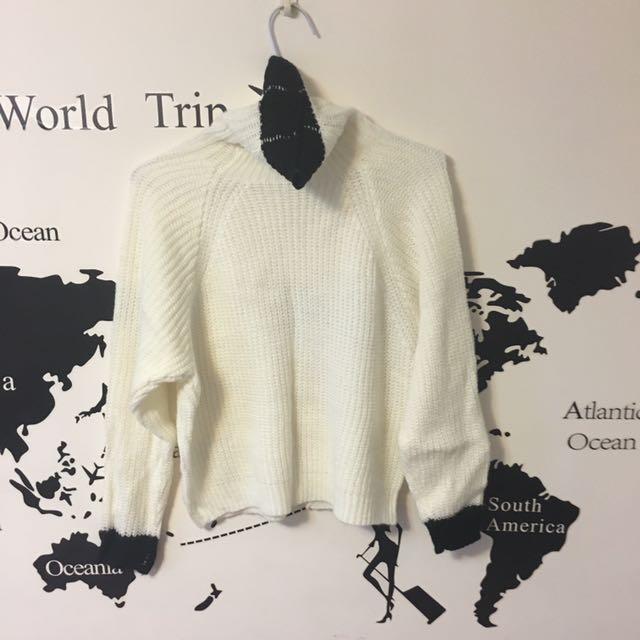 超高領白色短版毛衣