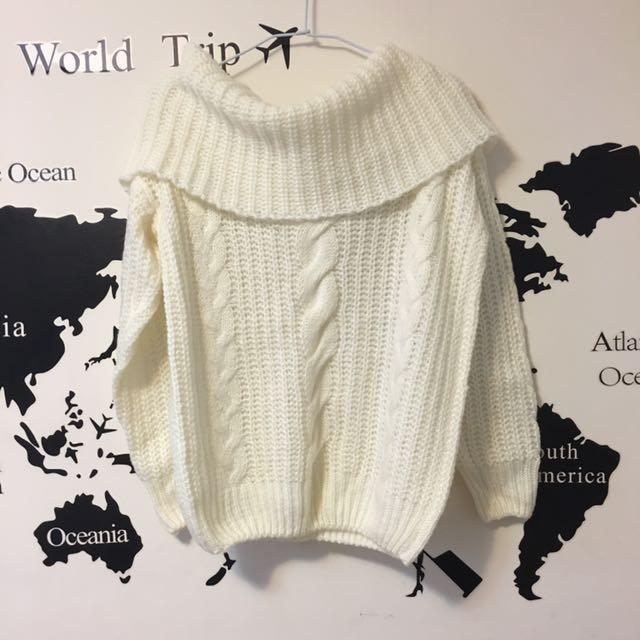 一字領純白毛衣