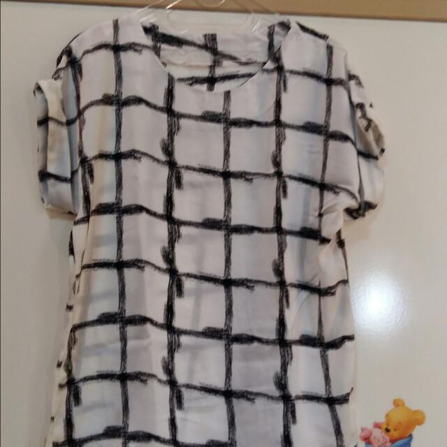 Abstrak Square Shirt