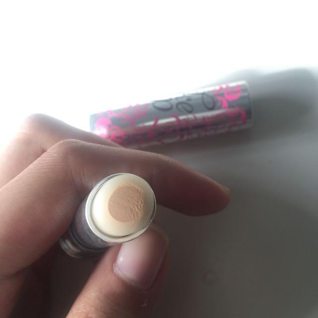 Benefit Cosmetics Fakeup Undereye Concealer