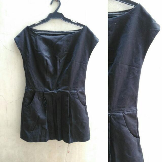 Black Mini Dress w Side Pockets