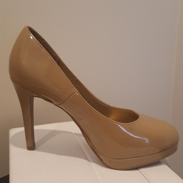 brand new nude heels